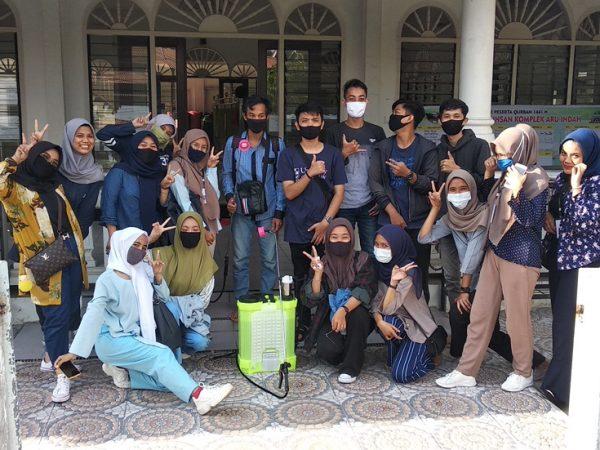 Mahasiswa UNP: Pengabdian Kepada Masyarakat di Masjid