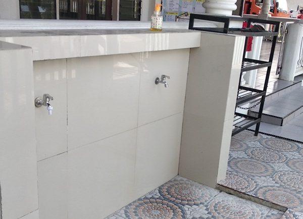 tempat cuci tangan mencegah penyebaran COVID-19